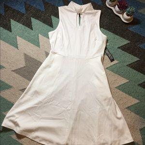 White keyhole dress- NWT